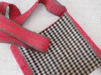 ルーマニア マラムレシュ 織り紐 手織り 羊飼いのポシェット 正方形  Romania Maramures shepherd bag
