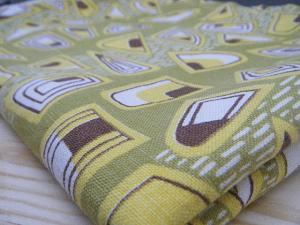 ハンガリー蚤の市 おいしそうなレトロ布  ビンテージ 個性的なリメイク材料 retro cloth fabric material vintage