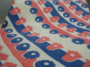 ハンガリー蚤の市 レトロなフラワープリントのリネンテーブルクロス レトロ布  ビンテージ 個性的なリメイク材料 retro cloth fabric material vintage