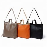<img class='new_mark_img1' src='https://img.shop-pro.jp/img/new/icons35.gif' style='border:none;display:inline;margin:0px;padding:0px;width:auto;' />hobo<BR> Shrink Leather Shoulder Tote Bag-M