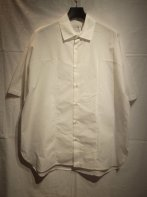 <img class='new_mark_img1' src='https://img.shop-pro.jp/img/new/icons15.gif' style='border:none;display:inline;margin:0px;padding:0px;width:auto;' />MARKA <BR>PANEL SHIRT(WHITE)