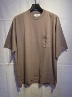 MARKA <BR>COMBED COTTON KNIT POCKET TEE S/S(BEIGE)<img class='new_mark_img2' src='https://img.shop-pro.jp/img/new/icons15.gif' style='border:none;display:inline;margin:0px;padding:0px;width:auto;' />