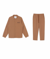 <img class='new_mark_img1' src='https://img.shop-pro.jp/img/new/icons49.gif' style='border:none;display:inline;margin:0px;padding:0px;width:auto;' />White Mountaineering<BR>STRETCH COACH JACKET&TAPERED PANTS 【SOLD OUT】
