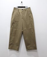 <img class='new_mark_img1' src='https://img.shop-pro.jp/img/new/icons15.gif' style='border:none;display:inline;margin:0px;padding:0px;width:auto;' />UNIVERSAL PRODUCTS<BR>NO TUCK WIDE CHINO TROUSERS (BEIGE)