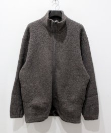 <img class='new_mark_img1' src='https://img.shop-pro.jp/img/new/icons15.gif' style='border:none;display:inline;margin:0px;padding:0px;width:auto;' />marka <BR>ZIP UP CARDIGAN - WOOL PILE SHEEP -