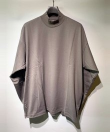 <img class='new_mark_img1' src='https://img.shop-pro.jp/img/new/icons15.gif' style='border:none;display:inline;margin:0px;padding:0px;width:auto;' />MARKA <BR>MOCK NECK - 40/2 COMBED KNIT - (GRAY)