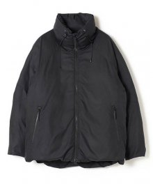 <img class='new_mark_img1' src='https://img.shop-pro.jp/img/new/icons15.gif' style='border:none;display:inline;margin:0px;padding:0px;width:auto;' />White Mountaineering<BR>WM×TAION TWILLED DOWN JACKET(BLACK)