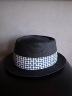 <img class='new_mark_img1' src='https://img.shop-pro.jp/img/new/icons15.gif' style='border:none;display:inline;margin:0px;padding:0px;width:auto;' />CALEE<BR> PAPER BRAID PORK PIE HAT(BLACK)