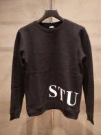 STUSSY KIDS <BR>Kids Banner CREW SWEAT(BLACK)【SOLD OUT】<img class='new_mark_img2' src='https://img.shop-pro.jp/img/new/icons50.gif' style='border:none;display:inline;margin:0px;padding:0px;width:auto;' />