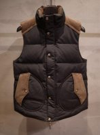 LOSTCONTROL<BR> Stand Collar Down Vest (Beige/Black)【SOLD OUT】<img class='new_mark_img2' src='https://img.shop-pro.jp/img/new/icons50.gif' style='border:none;display:inline;margin:0px;padding:0px;width:auto;' />