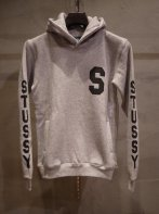 STUSSY KIDS <BR>Kids SS Sleeve Hoodie(GRAY)【SOLD OUT】<img class='new_mark_img2' src='https://img.shop-pro.jp/img/new/icons50.gif' style='border:none;display:inline;margin:0px;padding:0px;width:auto;' />