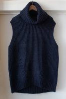 <img class='new_mark_img1' src='https://img.shop-pro.jp/img/new/icons50.gif' style='border:none;display:inline;margin:0px;padding:0px;width:auto;' />[ CINOH ] NO SLEEVE TURTLE NECK KNIT