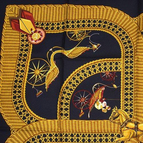 【中古】【新品同様】 Hermes エルメス カレ 黒とゴールドのスカーフ