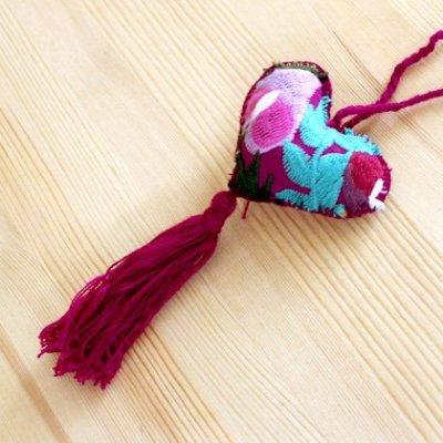 メキシコ シナカンタン刺繍ハートチャームS(A)