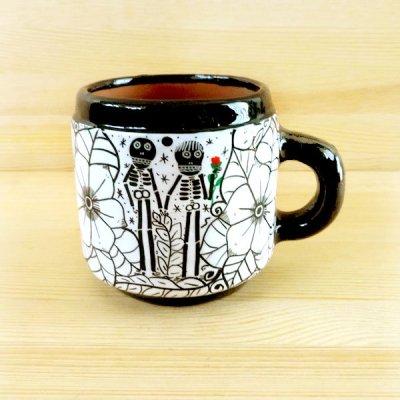 メキシコ 陶器マグカップガイコツ(ホワイトF)