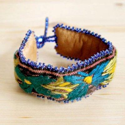 グアテマラ ブレスレット刺繍フラワー