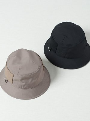 <img class='new_mark_img1' src='https://img.shop-pro.jp/img/new/icons15.gif' style='border:none;display:inline;margin:0px;padding:0px;width:auto;' />【Indietro Association】 Pocket bucket hat -2色展開-
