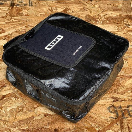 【ION/アイオン】UNIVERSAL STASH BAG 小物入れ(28×26×10cm)