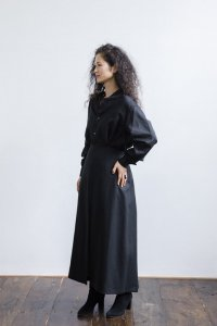 <img class='new_mark_img1' src='https://img.shop-pro.jp/img/new/icons59.gif' style='border:none;display:inline;margin:0px;padding:0px;width:auto;' />Linen 3Slits Gathered Skirt (black)