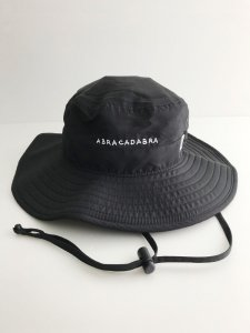 <img class='new_mark_img1' src='https://img.shop-pro.jp/img/new/icons5.gif' style='border:none;display:inline;margin:0px;padding:0px;width:auto;' />ABRACADABRA Boonie Hat Black