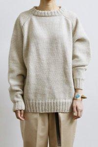 【受注商品】Cotswolds Wool 6ply Epaulet Sleeve Double Crew Neck Sweater : heather beige