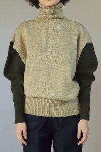【受注商品】Cotswolds Wool 3ply Turtleneck Long Rib Sweater bi