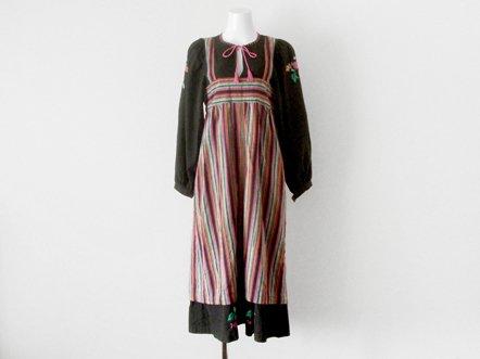 Black cotton linen  flower 刺繍  Indian dress