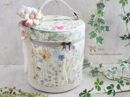 お花飾り付き★バニティバッグ リバティ イルマ Irma クリーム色