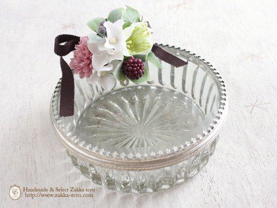 ラウンド ガラスケース :ガラス製 小物入れ :アートフラワー(白グリーンピンク)付き