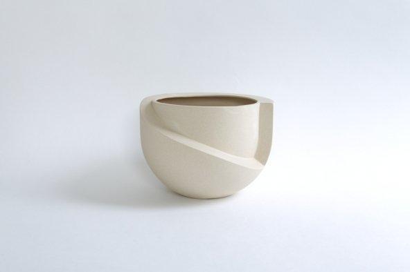 VAYU (tabletop planter)
