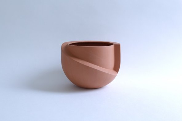 VAYU (terracotta tabletop planter)