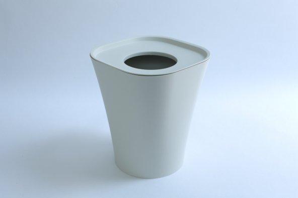 Trash (white)