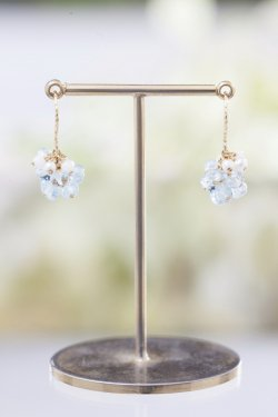 "<img class='new_mark_img1' src='//img.shop-pro.jp/img/new/icons14.gif' style='border:none;display:inline;margin:0px;padding:0px;width:auto;' />K18 white  coral & aquamarine ""furifuri"