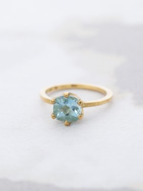 K18  aquamarine  crown ring