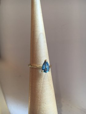K18 London blue topaz ring
