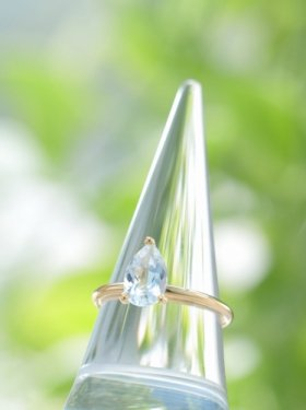 K18 White topaz ring