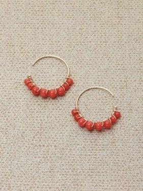 red coral hoop pierce (1.5cm)