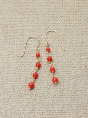 red coral UMAMUI petit pierce(イヤリング取替可能)