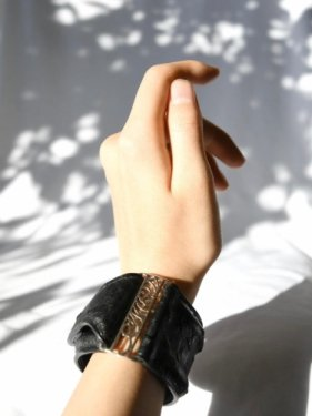 【雑誌掲載】leather bangle 〜black〜