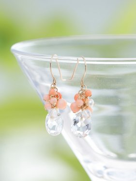 <img class='new_mark_img1' src='//img.shop-pro.jp/img/new/icons14.gif' style='border:none;display:inline;margin:0px;padding:0px;width:auto;' />pink coral & quartz fringe pierce(イヤリング取替可能)