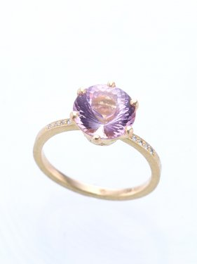 <img class='new_mark_img1' src='//img.shop-pro.jp/img/new/icons14.gif' style='border:none;display:inline;margin:0px;padding:0px;width:auto;' />pink tourmaline & diamond ring