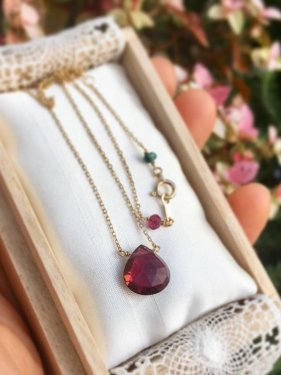K10  tourmaline marron necklace