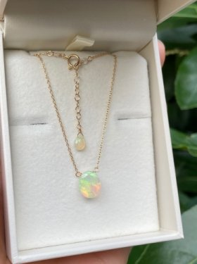 K18 precious opal oval necklace(white)