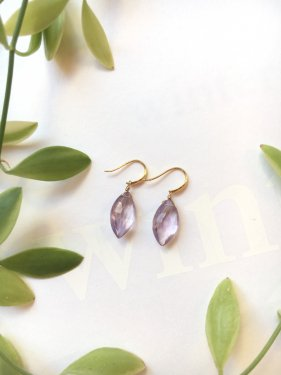 <img class='new_mark_img1' src='//img.shop-pro.jp/img/new/icons14.gif' style='border:none;display:inline;margin:0px;padding:0px;width:auto;' />K18 marquise amethyst  pierce(イヤリング取替可能)