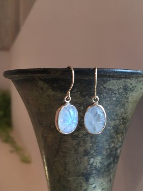 oval carving stone pierce〜bluemoon stone〜(イヤリング取替可能)