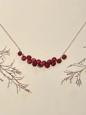 K18 garnet fringe necklace