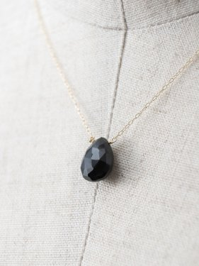 K18 black spinel  necklace