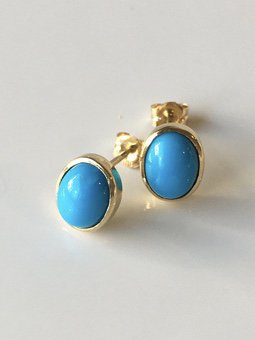 K18 sleeping beauty  turquoise  oval studs pierce