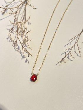 K18 garnet necklace