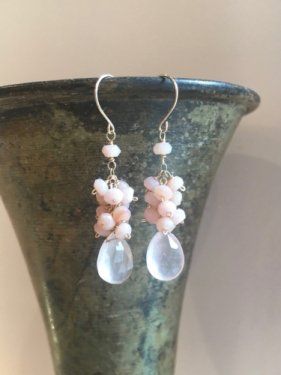 pink opal fringe pierce(S)(イヤリング取替可能)